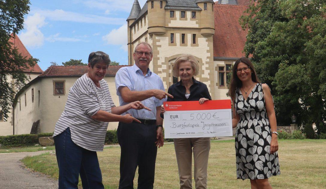Freunde helfen mit 5.000 Euro